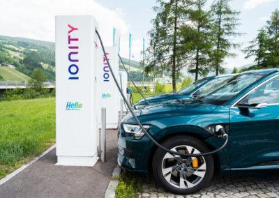 e-tron - L'elettrico ora è Audi - Charger