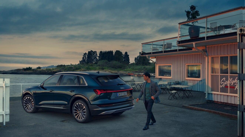 e-tron - L'elettrico ora è Audi - Home