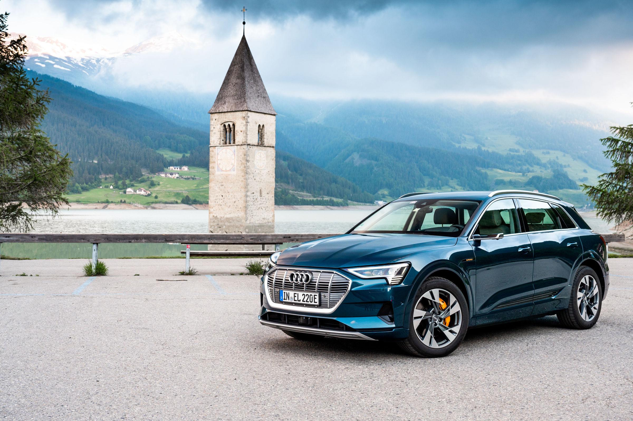 e-tron - L'elettrico ora è Audi - Countryside