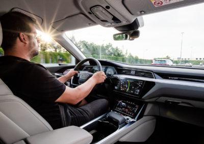 e-tron - L'elettrico ora è Audi - Daily Light